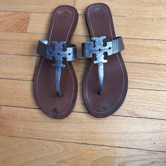 5ce1fe8451df Tory Burch Shoes - Tory Burch Moore Tumbled Logo Leather Thong Sandal
